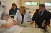Ministra de Salud destacó la importancia del acompañamiento espiritual en su visita al hospital Barros Luco